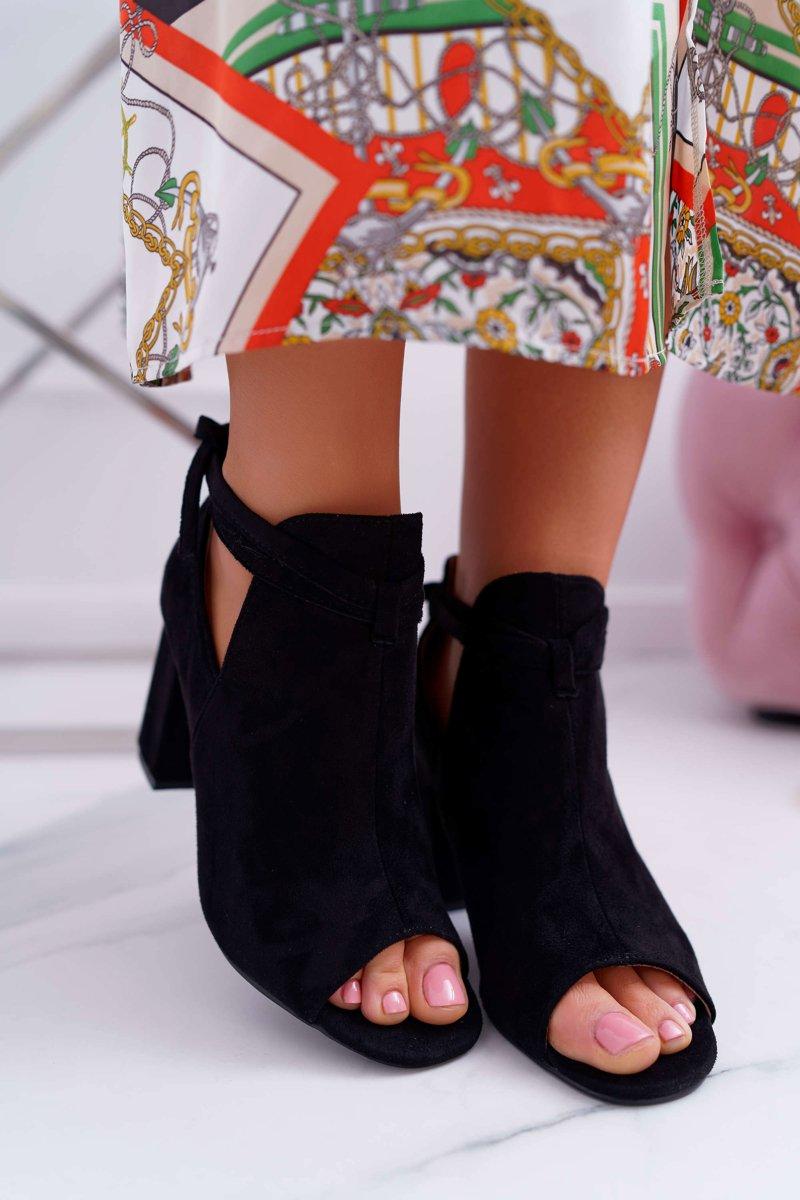 odkryte botki na słupku sandały czarny