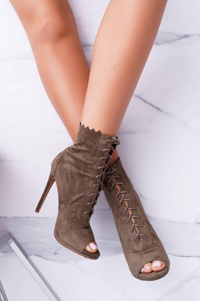 sandały botki na szpilce